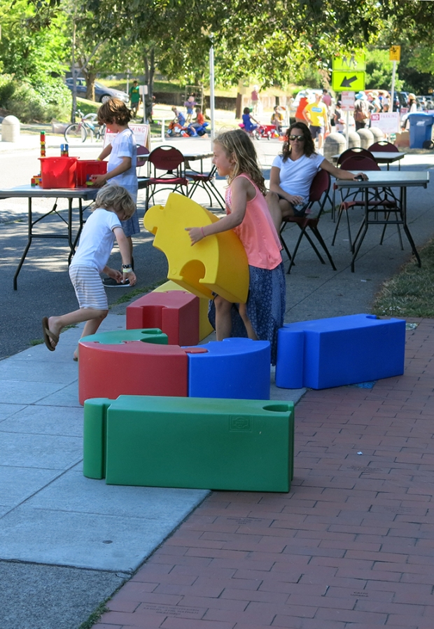 Playstreet_BigBlocks_4918_1000